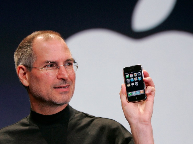 apple-reinvents-the-phone--how-steve-jobs-launched-the-first-ever-iphone.jpg